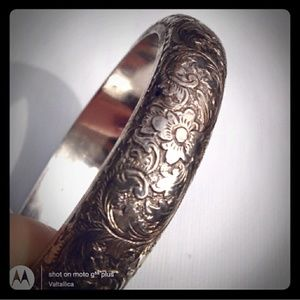 ANTIQUE STERLING SILVER Chunky Floral Etched Bangl